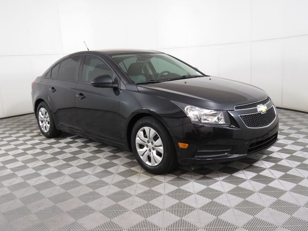 Pre-Owned 2014 Chevrolet CRUZE 4dr Sedan Automatic LS