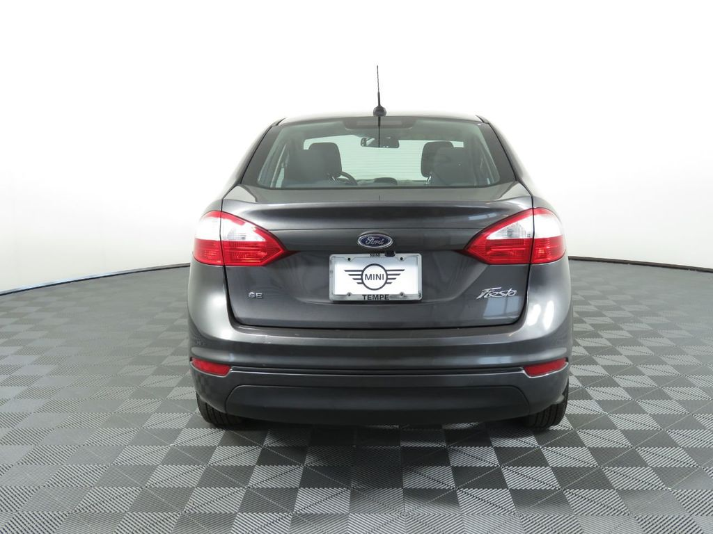 Pre-Owned 2018 Ford Fiesta SE Sedan