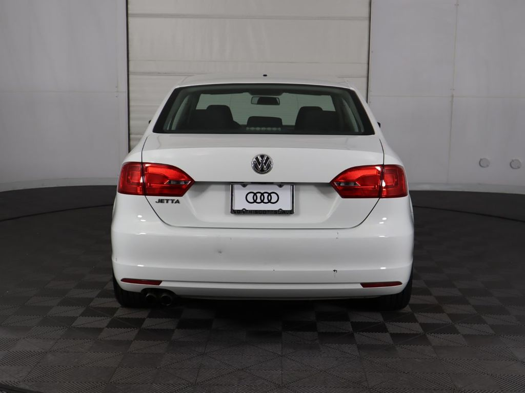 Pre-Owned 2014 Volkswagen Jetta Sedan 4dr Automatic S