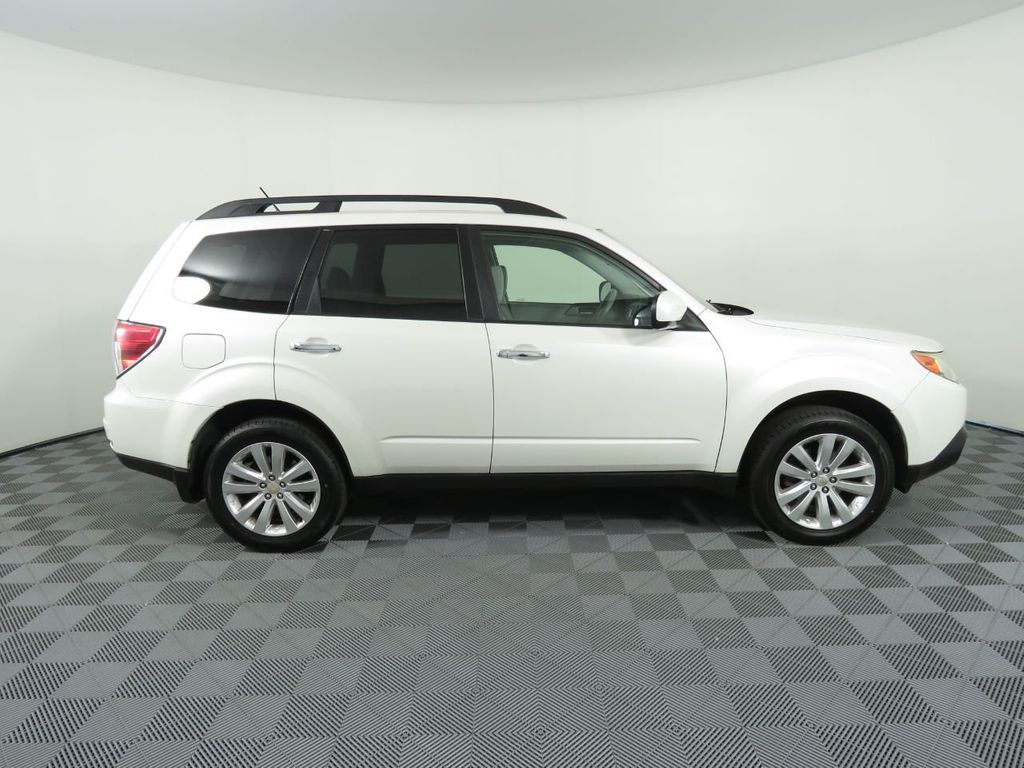 Pre-Owned 2011 Subaru Forester 4dr Automatic 2.5X Premium w/All-Weather Pkg
