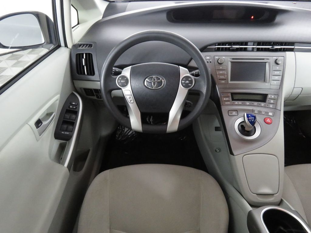 Pre-Owned 2014 Toyota Prius c 5dr Hatchback One