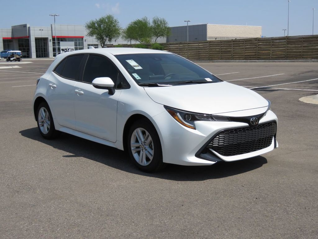 New 2021 Toyota Corolla Hatchback SE Manual