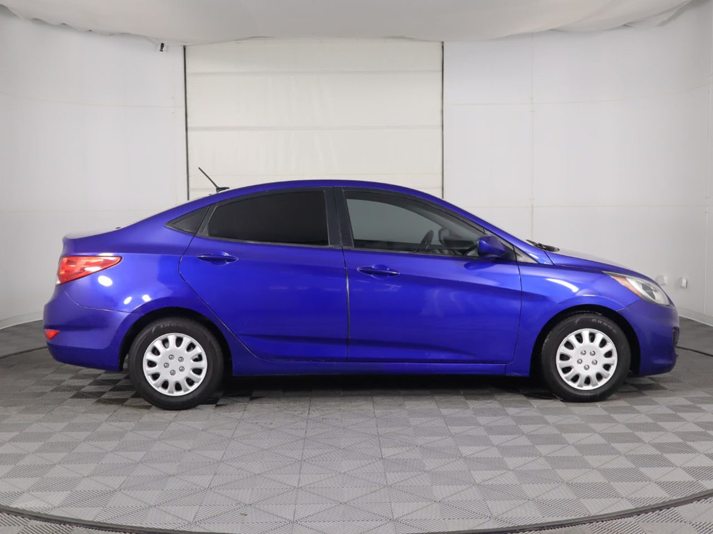 Pre-Owned 2013 Hyundai Accent 4dr Sedan Automatic GLS