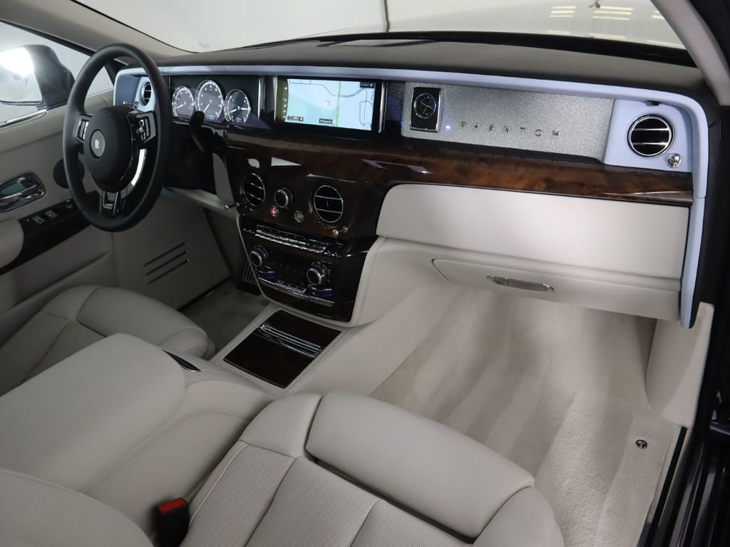 New 2020 Rolls-Royce Phantom Sedan